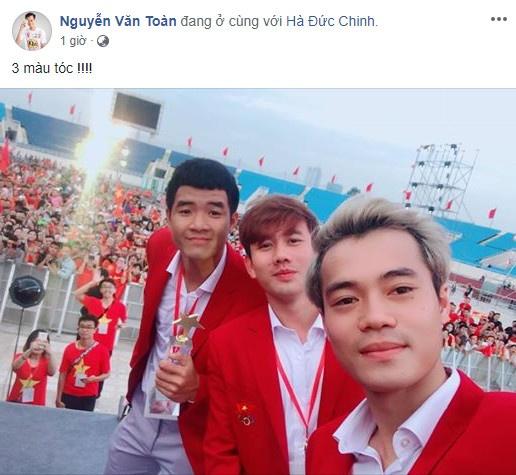 Van Toan, Duc Chinh cuoi rang ro trong le mung cong o My Dinh hinh anh 1