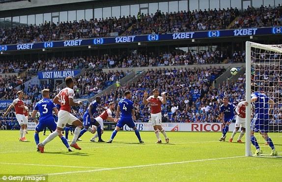 Lacazette toa sang giup Arsenal thang nghet tho truoc Cardiff City hinh anh 2