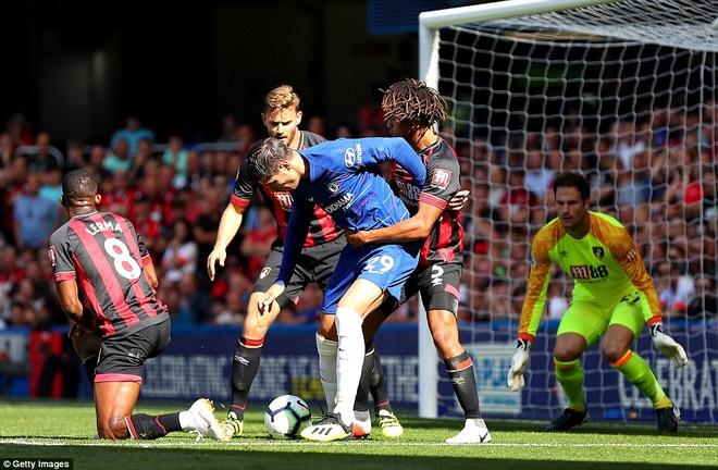 Vuot ai Bournemouth, Hazard chung minh minh la so mot o Chelsea hinh anh 3