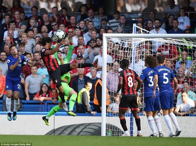 Vuot ai Bournemouth, Hazard chung minh minh la so mot o Chelsea hinh anh 4