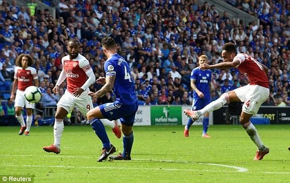 Lacazette toa sang giup Arsenal thang nghet tho truoc Cardiff City hinh anh 6