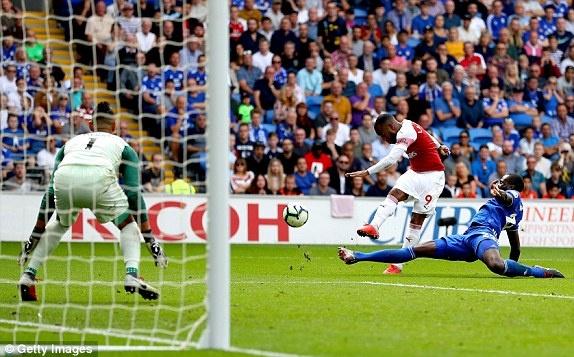 Lacazette toa sang giup Arsenal thang nghet tho truoc Cardiff City hinh anh 9