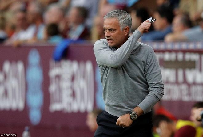 Mourinho co xung dang duoc cuu hay khong? hinh anh