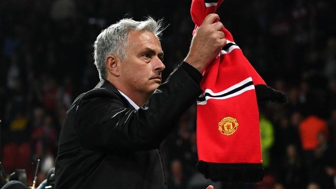 HLV Mourinho: 'Ban co biet muon sa thai toi ton bao nhieu tien khong?' hinh anh 1