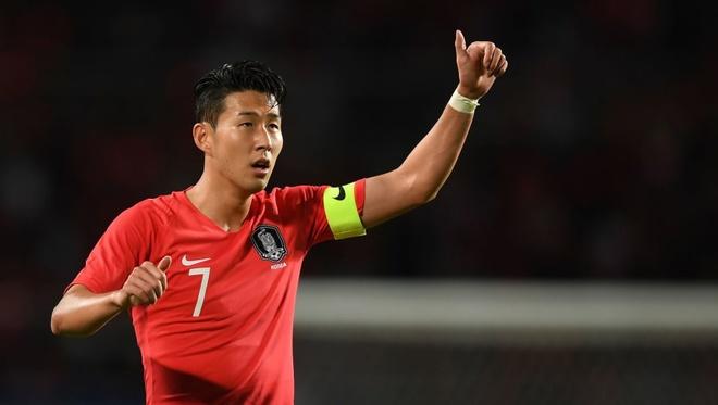 Son Heung-min sut hong penalty trong ngay ra mat tan HLV doi Han Quoc hinh anh 2