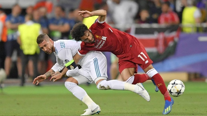 Ramos noi ve chan thuong cua Salah: 'Luong tam toi khong he can rut' hinh anh 1