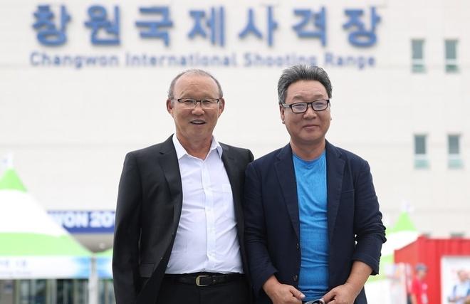 HLV Park Hang-seo khich le doi ban sung Viet Nam thi dau o Han Quoc hinh anh 1