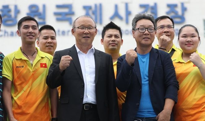HLV Park Hang-seo khich le doi ban sung Viet Nam thi dau o Han Quoc hinh anh 2