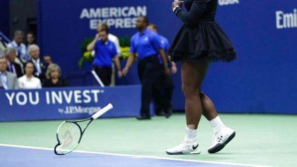 Trong tai Carlos Ramos khong dam roi nha sau mau thuan voi Serena hinh anh 2