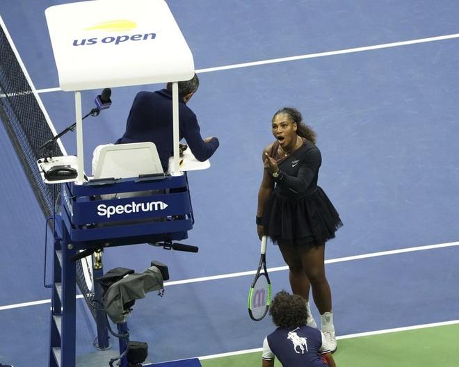 Trong tai Carlos Ramos khong dam roi nha sau mau thuan voi Serena hinh anh 1