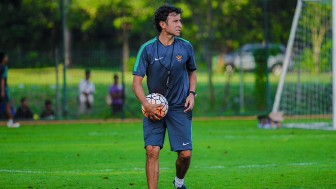 DTQG Indonesia,  AFF Cup,  Bhayangkara FC,  Simon McMenemy anh 1