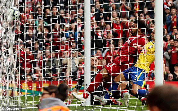 Salah giai han ban thang, Liverpool doc chiem ngoi dau bang hinh anh 3