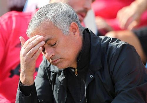 HLV Mourinho duoc den bu bao nhieu neu bi MU sa thai? hinh anh