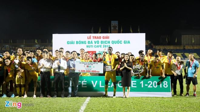 Bui Tien Dung lam dong tac gia, Thanh Hoa gianh ngoi a quan V.League hinh anh 9