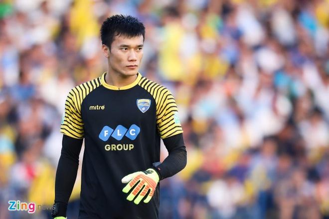Bui Tien Dung lam dong tac gia, Thanh Hoa gianh ngoi a quan V.League hinh anh 1