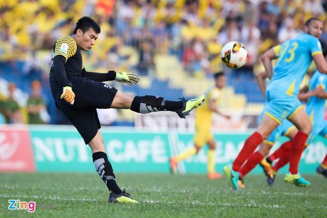 Bui Tien Dung lam dong tac gia, Thanh Hoa gianh ngoi a quan V.League hinh anh 3