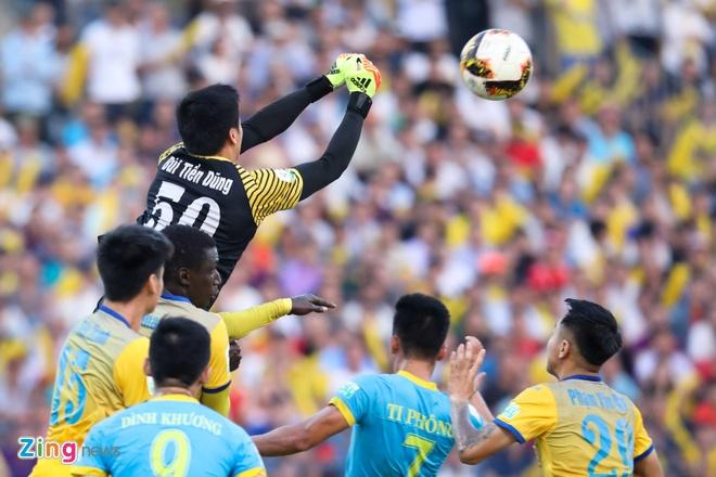 Bui Tien Dung lam dong tac gia, Thanh Hoa gianh ngoi a quan V.League hinh anh 4
