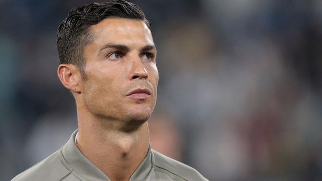 Juventus vs Genoa: Cao buoc hiep dam co the can Ronaldo toa sang? hinh anh