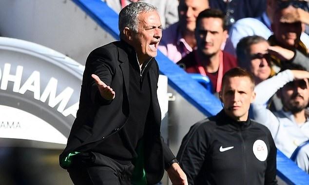 HLV Mourinho mo cuoc dieu tra, truy tim noi gian cua Man Utd hinh anh