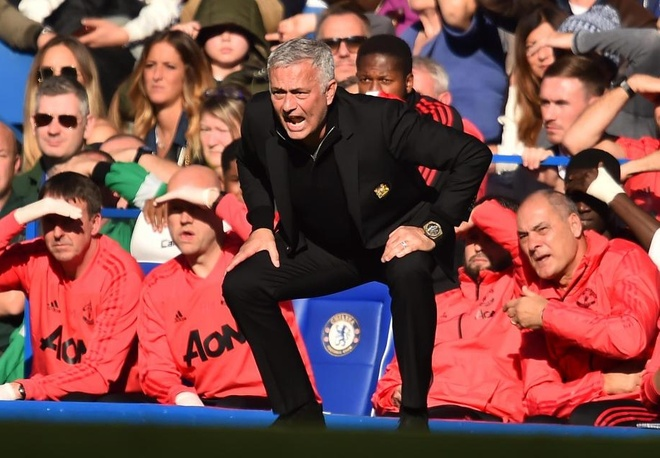Cach de Mourinho gia co hang thu MU la tan cong that nhieu hinh anh
