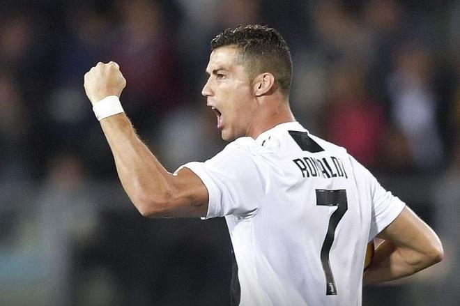 Ronaldo lap cu dup, Juventus nguoc dong ha Empoli hinh anh