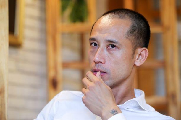 Vu Nhu Thanh: 'Tien Dung, Dinh Trong la 2 trung ve tot nhat Viet Nam' hinh anh