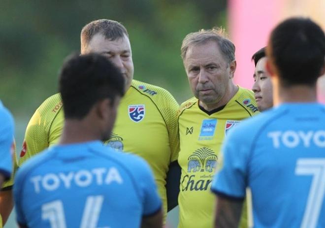 DT Thai Lan dau dau vi co 2 thu mon xuat sac du AFF Cup hinh anh