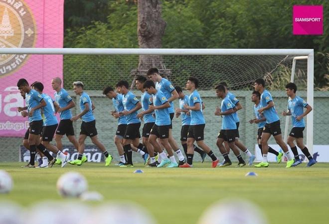 DT Thai Lan dau dau vi co 2 thu mon xuat sac du AFF Cup hinh anh 2