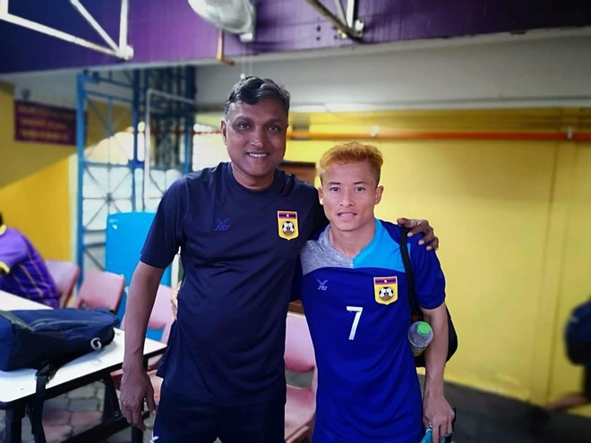 Duoc HLV xoa diu, 'Messi Lao' quyet dinh tiep tuc du AFF Cup hinh anh 1