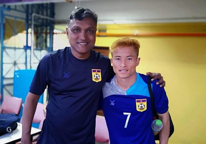 Duoc HLV xoa diu, 'Messi Lao' quyet dinh tiep tuc du AFF Cup hinh anh