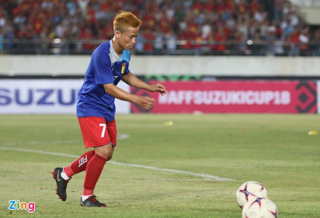 Duoc HLV xoa diu, 'Messi Lao' quyet dinh tiep tuc du AFF Cup hinh anh 2