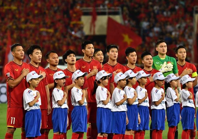 Bao chi chau A: DT Viet Nam thang thuyet phuc khi dau tri voi Malaysia hinh anh