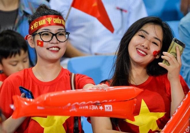 Su cuong nhiet cua CDV Viet Nam khien nguoi Malaysia chanh long hinh anh
