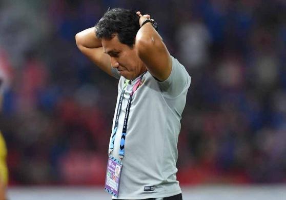 Tuyen thu Indonesia bat khoc sau khi bi loai tu vong bang AFF Cup hinh anh