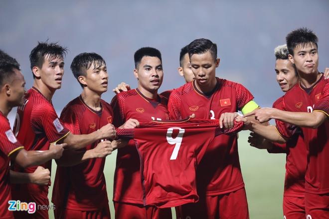 Van Toan chan thuong,  dong doi tri an,  doi tuyen Viet Nam,  AFF Cup anh 1