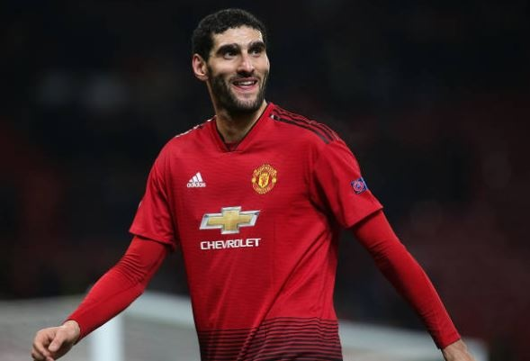 Fellaini giup MU vao vong knock-out Champions League hinh anh