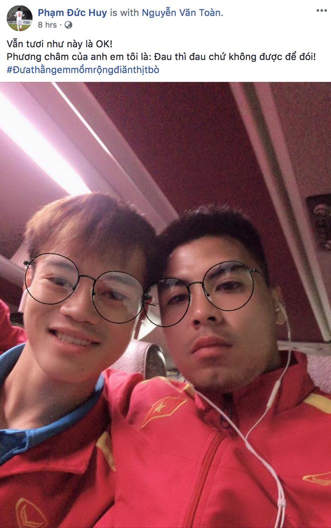 Xuan Truong, Duc Huy 'tam bo' cho Van Toan sau chan thuong hinh anh 1