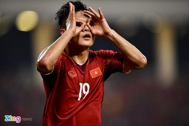Quang Hai lot top 5 ca nhan noi bat o luot ve ban ket AFF Cup hinh anh 2