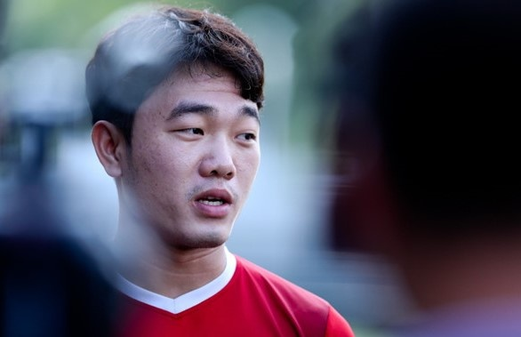 Xuan Truong du bi, Huy Hung da chinh tran chung ket luot di AFF Cup hinh anh