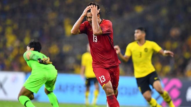 Malaysia vs Viet Nam (2-2, H2): Safawi sut phat hiem hoc hinh anh