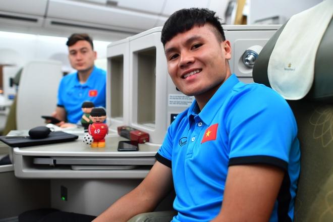Thầy trò HLV Park vui vẻ rời Malaysia về nước