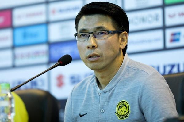 HLV Tan Cheng-hoe chuc mung chuc vo dich AFF Cup cua tuyen Viet Nam hinh anh