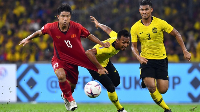 Viet Nam vs Malaysia (1-0, H2): Ha Duc Chinh vao thay Anh Duc hinh anh