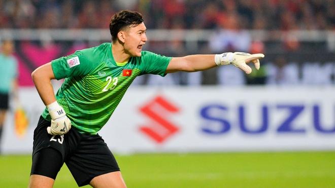 Viet Nam vs Malaysia (1-0, het H1): Dang Van Lam cuu thua hinh anh