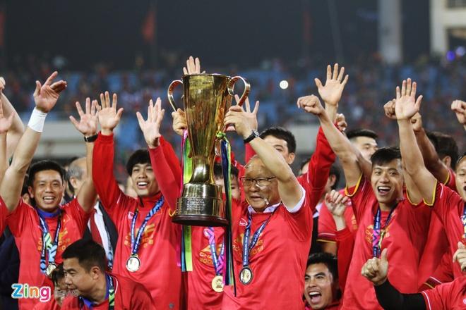 HLV Tan Cheng-hoe chuc mung chuc vo dich AFF Cup cua tuyen Viet Nam hinh anh 1