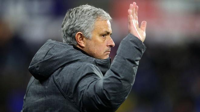 Manchester United sa thai HLV Jose Mourinho hinh anh