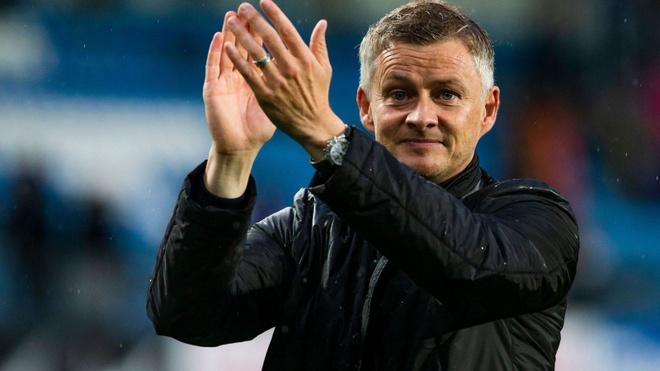 Manchester United bo nhiem Ole Solskjaer thay Jose Mourinho hinh anh