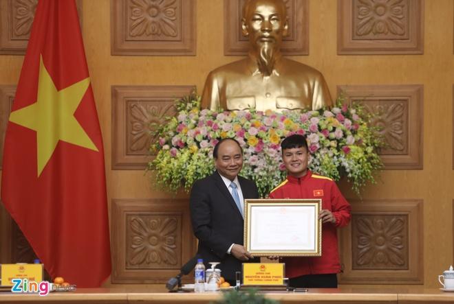 Thu tuong bieu duong HLV Park Hang-seo va tuyen Viet Nam hinh anh 3