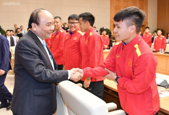 Thu tuong bieu duong HLV Park Hang-seo va tuyen Viet Nam hinh anh 4