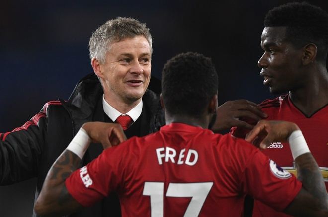 Newcastle vs Man Utd: Muc tieu gianh chien thang mung nam moi hinh anh